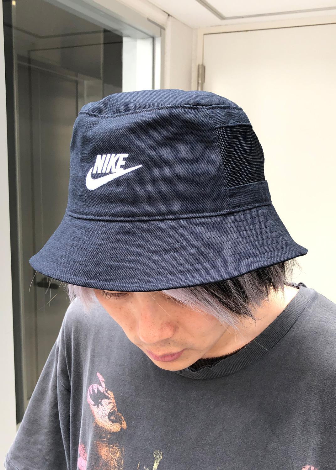 バケット ハット メンズ 似合う帽子のかぶり方、バケットハットの場合。 FASHION