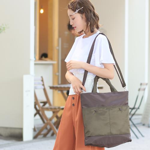 シンプルなのに目を惹くデザインのバッグ